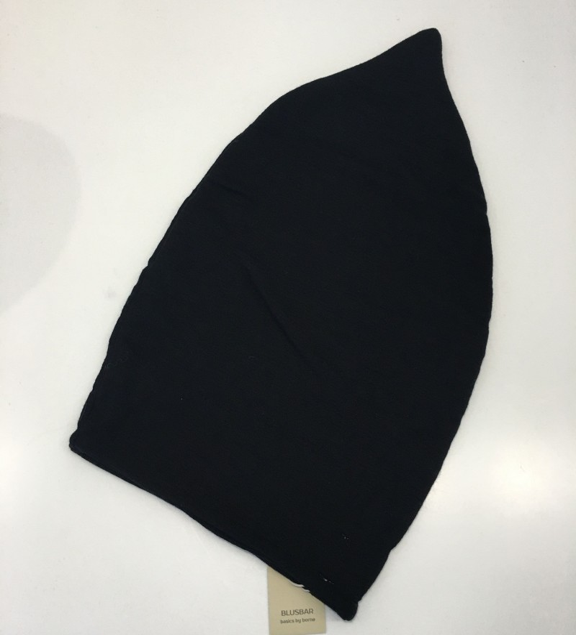 Blusbar 1006 hue med spids sort-01