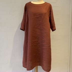 OWN 12006 kjole i linen terracotta-20
